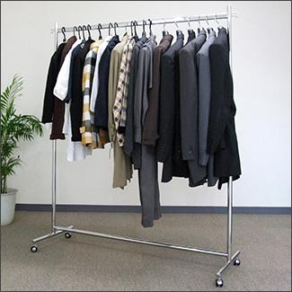 プロF1200ハンガーラック洋服を掛けた状態