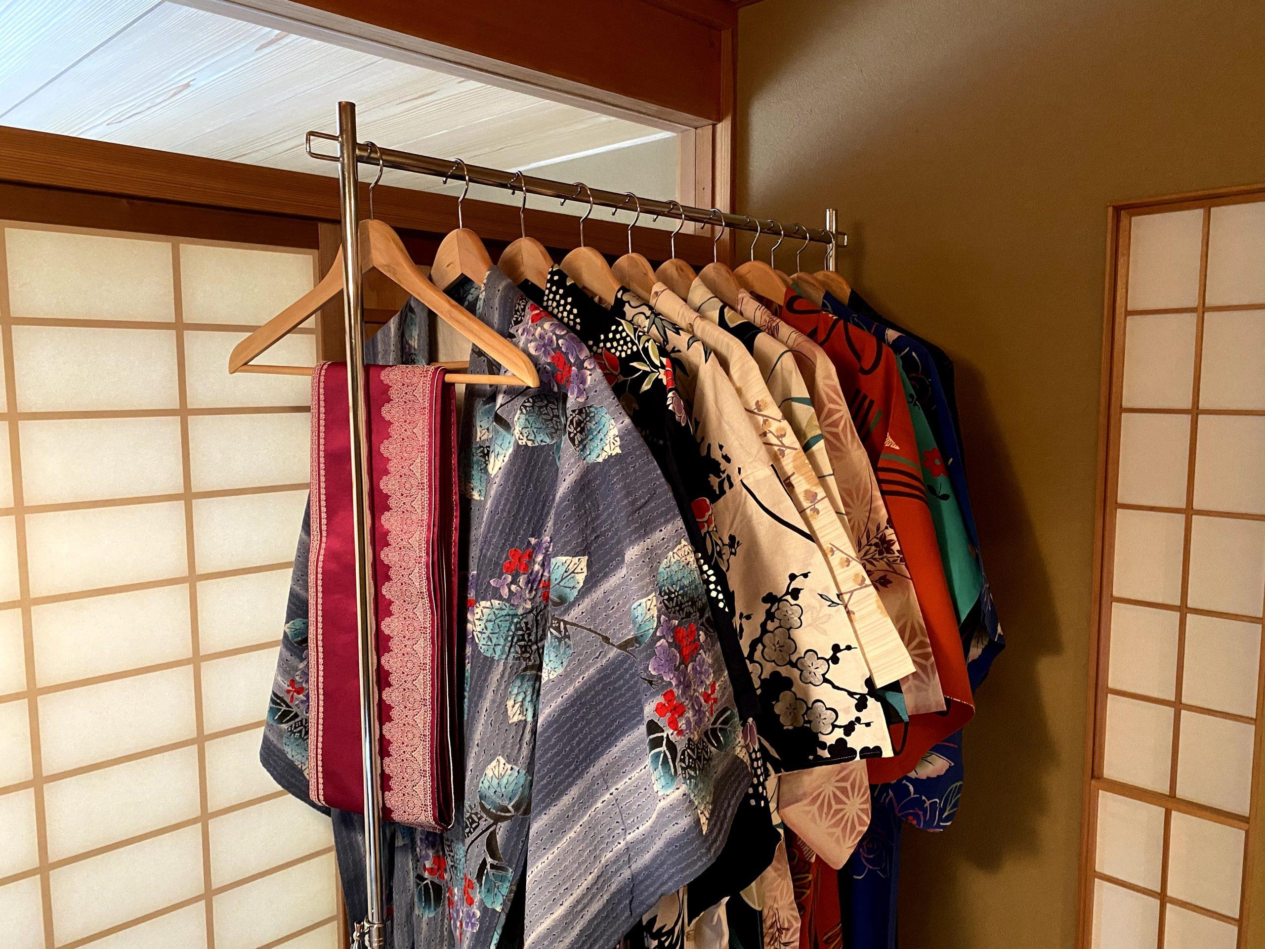 レンタル着物店で愛用されている着物や浴衣におすすめハンガーラック